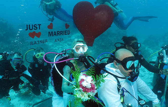 Scuba-Weddings-Maldives